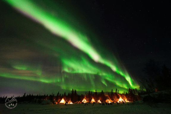 Aurora-Village-Yellowknife-Northwest-Territories-Canada-Aurora-Borealis-Northern-lights-dining-hall (1)