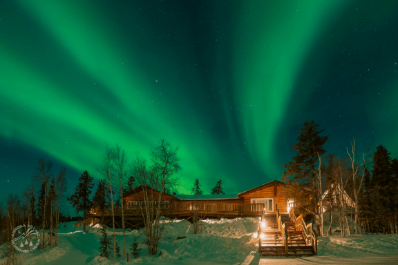 Aurora-Village-Yellowknife-Northwest-Territories-Canada-Aurora-Borealis-Northern-lights-dining-hall