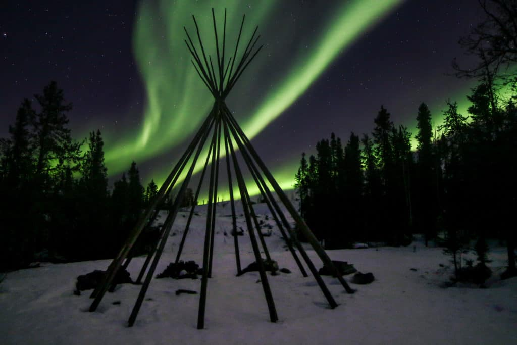 Aurora-Village-Yellowknife-Northwest-Territories-Canada-Aurora-Borealis-Northern-Lights-teepees-camp-staff-guides-winter