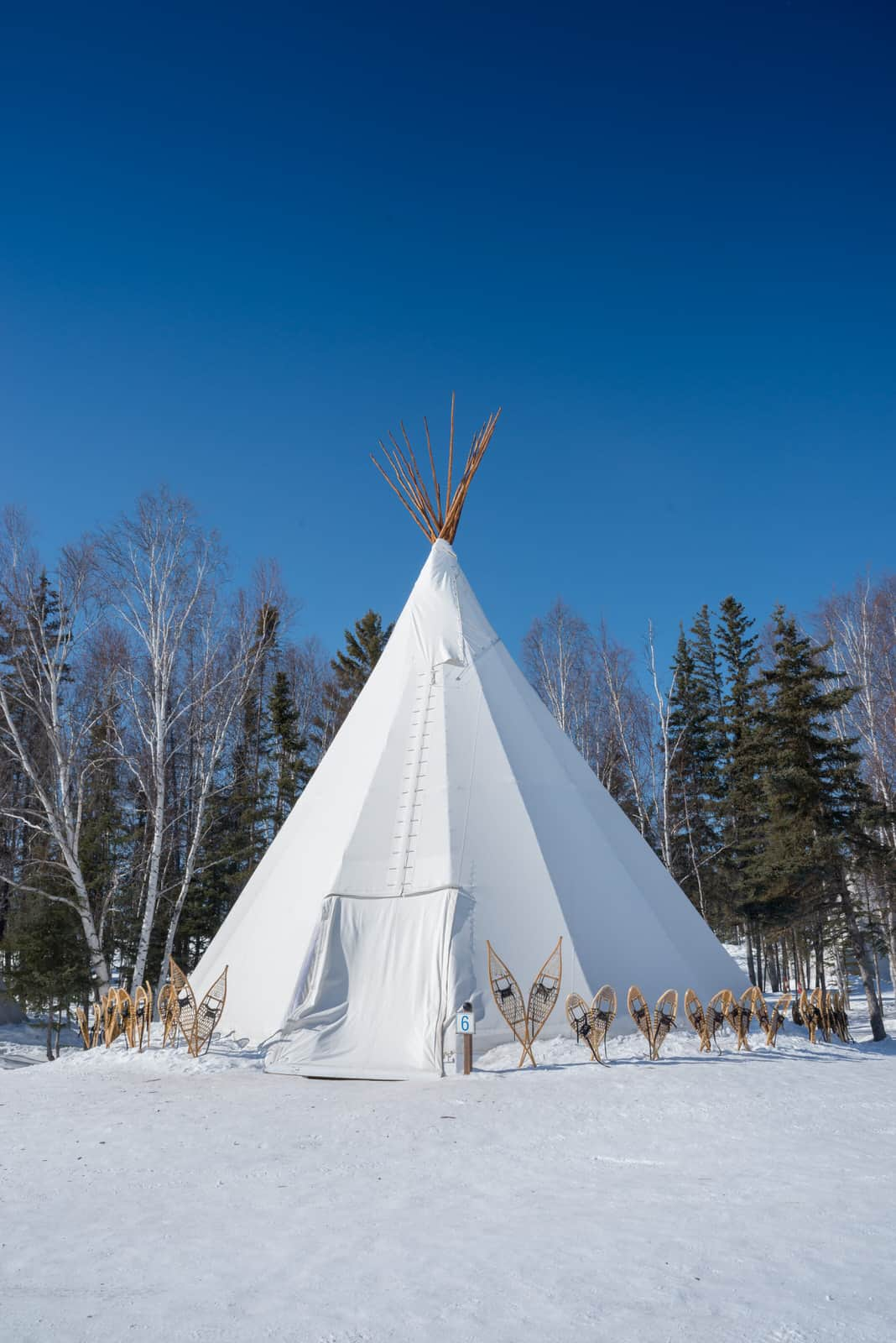 urora-Village-Yellowknife-Northwest-Territories-Canada-winter-teepee