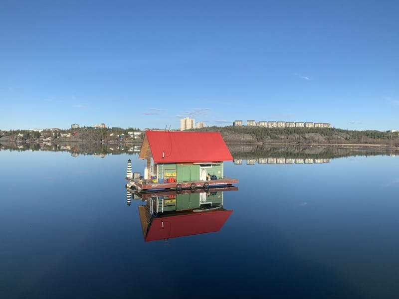 Aurora-Village-yellowknife-somba k'e-houseboat